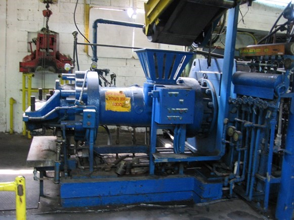 nrm-10-hot-feed-extruder-3.jpg